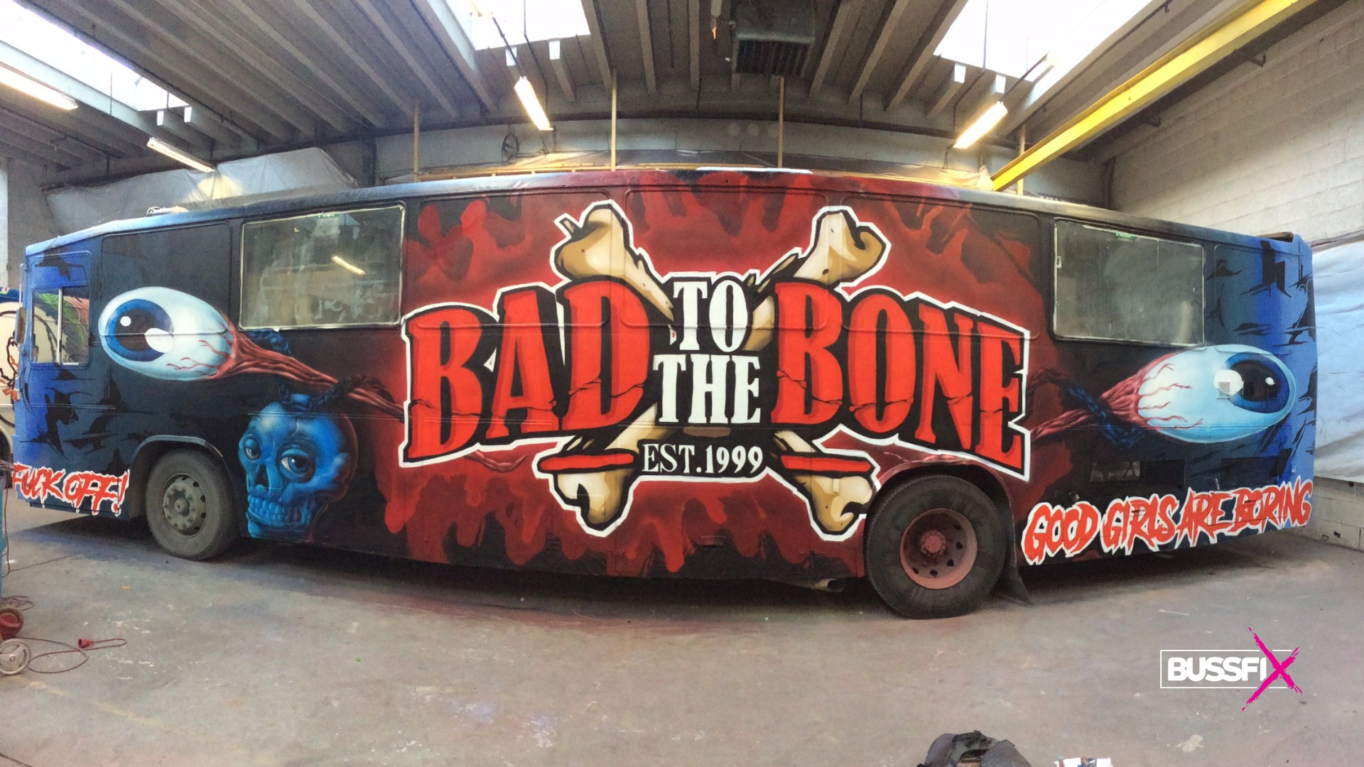 Graffiti russebuss bad to the bone 2018