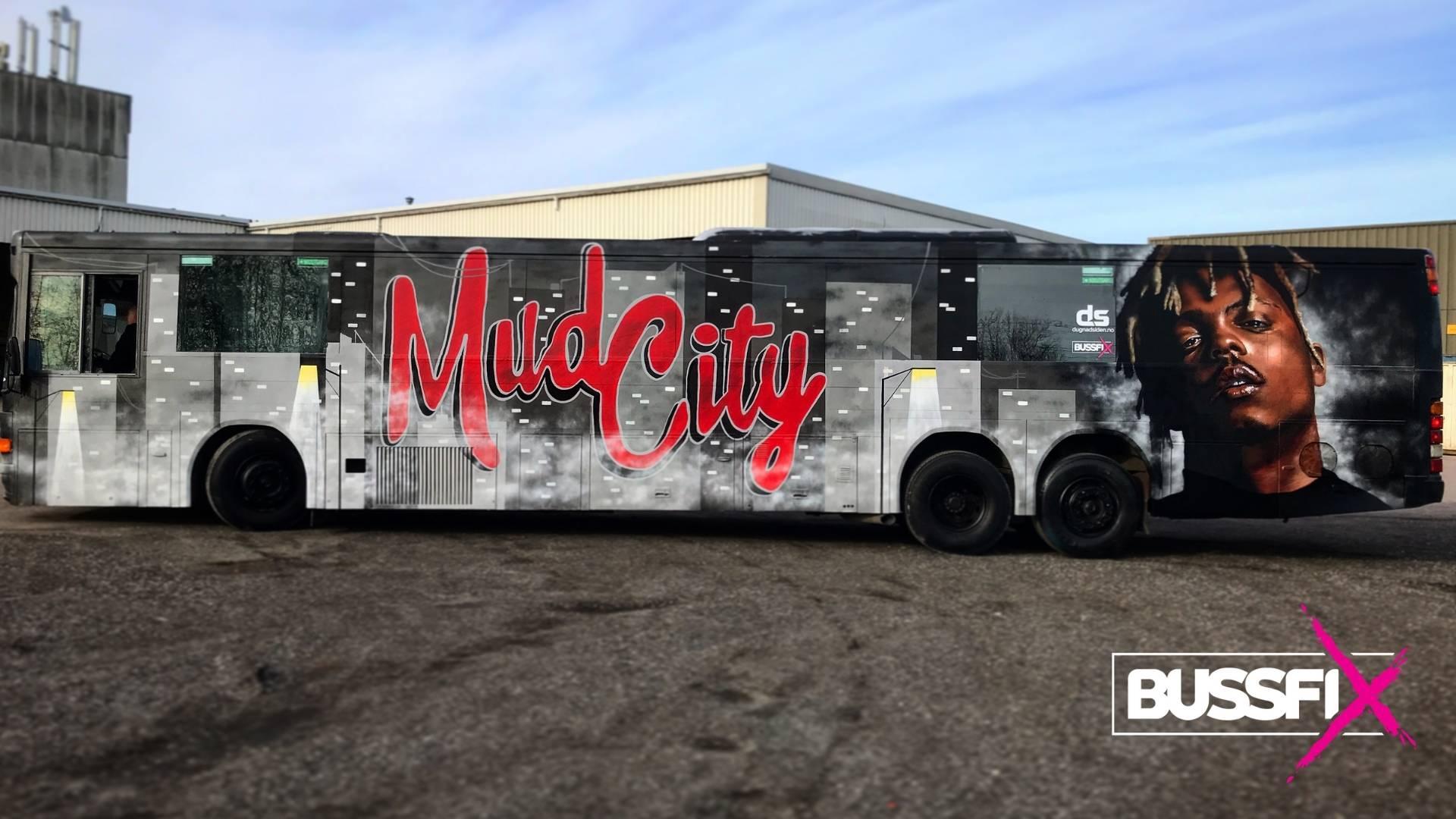Graffiti russebuss Mud City 2020