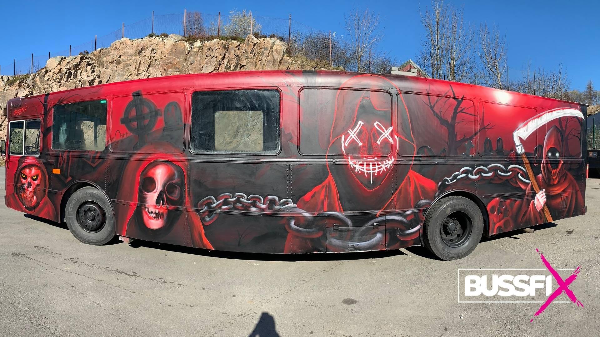 Graffiti russebuss Nightmare 2019